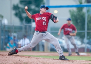 (20150727) - (Staunton)  Harrisonburg's Matt Hartman delivers a pitch to the Staunton Braves. (Daniel Lin/Daily News-Record)