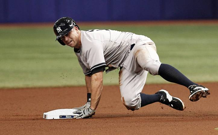 Brett Gardner slides into 2nd base in 2015