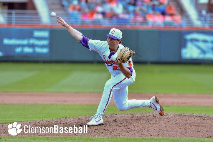 Carson Spiers (Kim Muntuoro) pitching